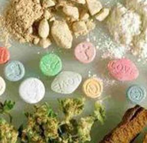 62639-11-12droga1 Musica: Klaus Davi, web pieno di appelli di star a favore della droga